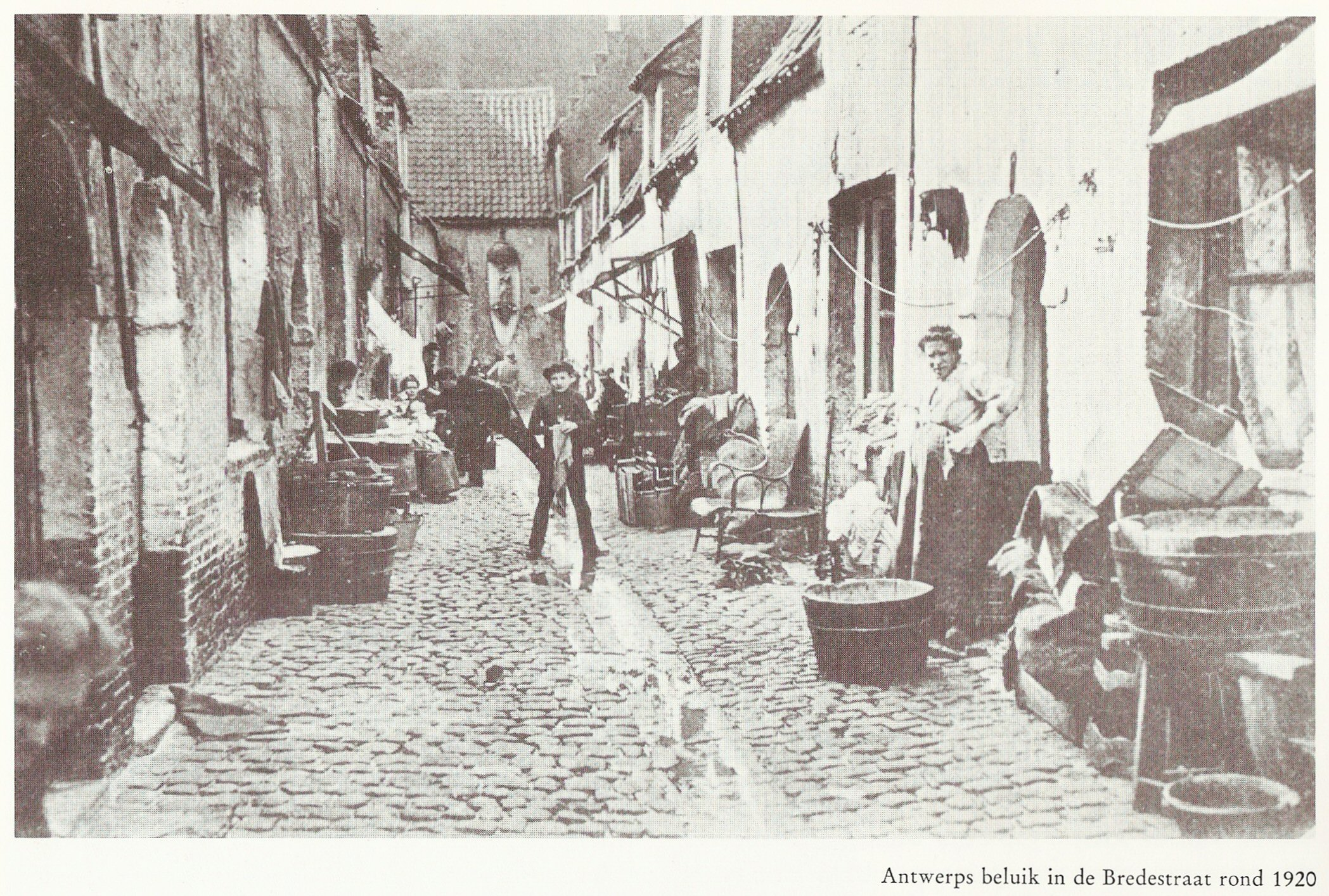 Maatschappelijk Werk Huizen : 1889 start sociale huisvesting canon sociaal werk nederland details